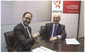 Rosendo Garganta, SEO de Devicare, y el Doctor Armando Fernández, presidente de ACESIMA.